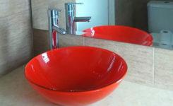 Baños modernos con mesadas New beige